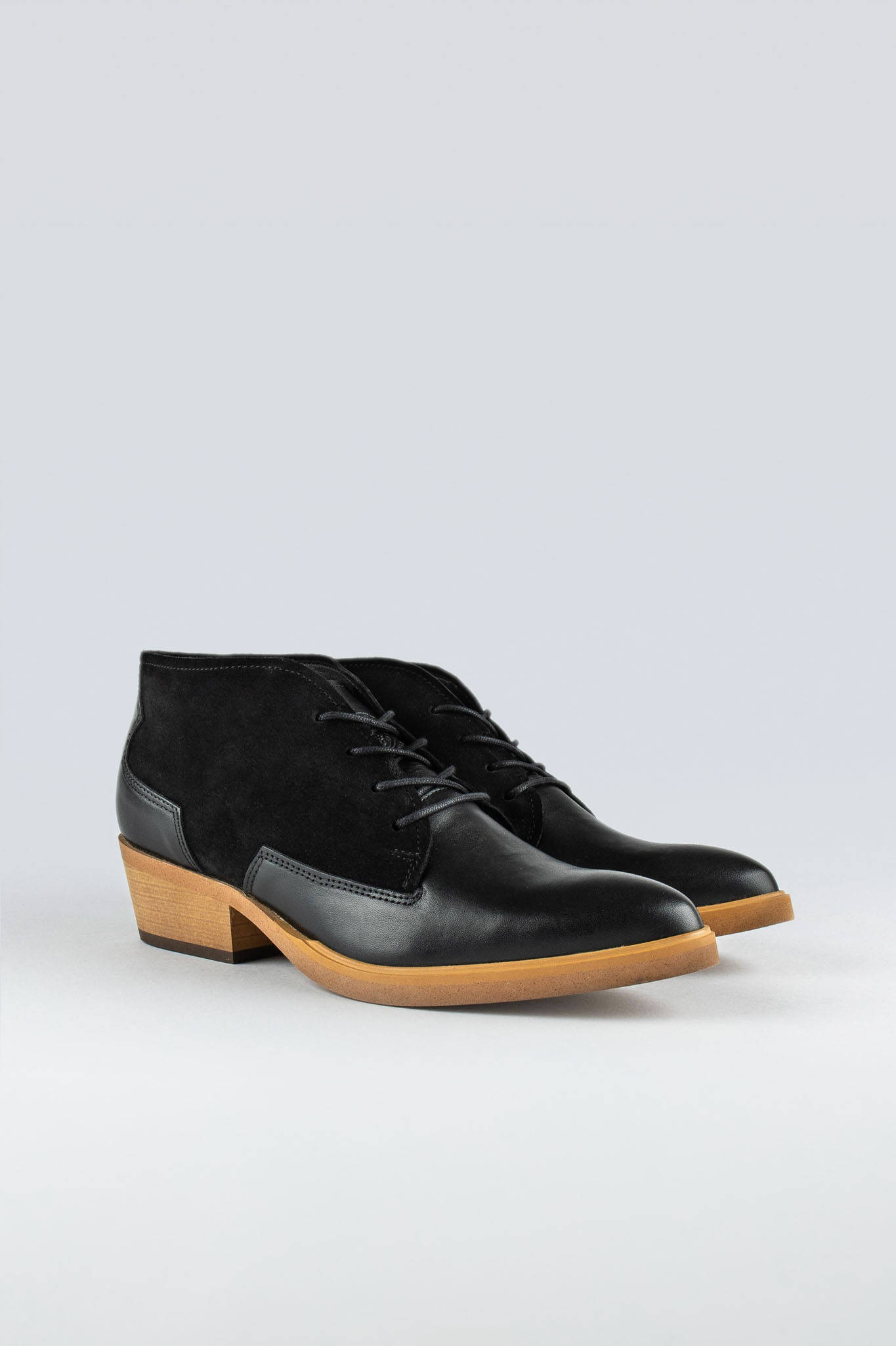 Ray W Suede Black