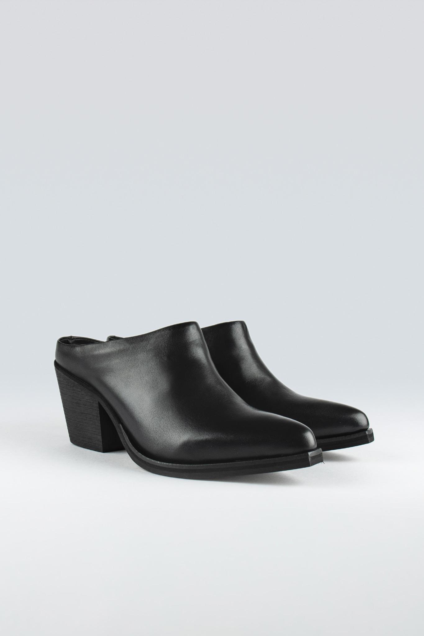 Simplicity W Black